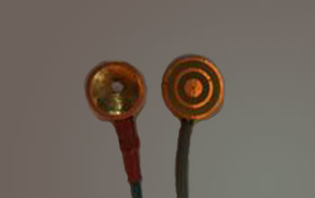 image of tripolar ring electrode and conventional electrode, side by side