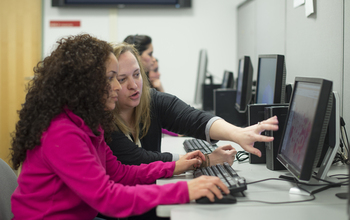 students at computers using Social Explorer