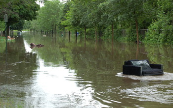 Merveilleux A River  And Furniture  Ran Through It: Floods In Cedar Rapids, Iowa,  Carried Belongings With Them.