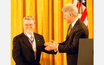 Don Anderson receives the Medal of Science from President Clinton.