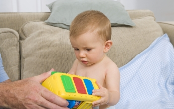 Infants infer whether a toy fails to work because of their actions or a reason beyond their control.