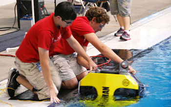 Students launch remote underwater vehicle