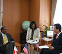 Photo of NSF Director Subra Suresh and MEXT Minister Hirofumi Hirano meeting.