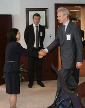 NSF OISE Director Machi Dilworth greets Russian Education and Science Minister Andrei Fursenko.