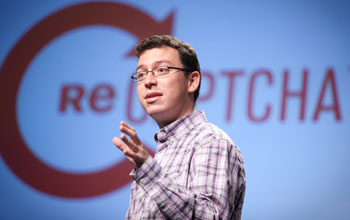 Photo of Luis von Ahn teaching a class at Carnegie Mellon.