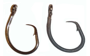 Image showing a standard circle hook on left compared to a shark repellent hook on right.